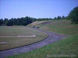 Det är mäktigt att komma in på Borresvall när man ser den gamla friidrottsarenan med sina fina omgivningar med den mäktiga vallen på den norra sidan av planen. Känns som en läktare på en större arena, särskilt när man kommer upp till sittplatserna.