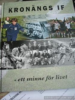 Här ses den fina boken som jag fick låna. Tack för lånet Kronängs IF!