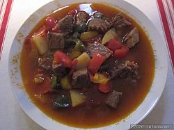 Gulasch-soppa. Recept från en polack.