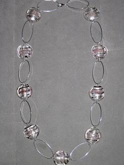 HA089 Candy link: Halsband med rosa glaspärlor och ovala länkar...85:-SÅLDFör att se en större bild, klicka på denna länk.