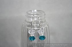 OR070 Swarovski blue: Örhängen med blåa och vita swarovski kristaller...60:-          SÅLD