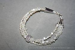 AR162 White lady: Armband (för stora handleder 23 cm) 4 radermed vita sötvattenspärlor...110:- 70:-