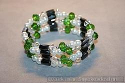 AR167 Magnetic green: Armband med magnetpärlor och gröna swarovski pärlor...110:- 80:-