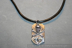 KI017 Death cuffs: Halsband (50 cm) med döskalle hänge på läderband...95:-SÅLD