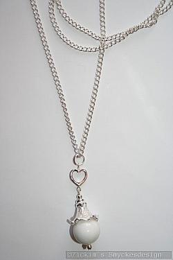 HA168 Heart Jade: Halsband (75 cm)med ett litet hjärta samt en stor vit Jade pärla...115:- SÅLD