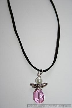 HA166 Mocca angel: Halsband (50 cm) med en ängel på mocka band...85:- SÅLD