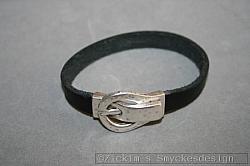 AR192 Buckle bracelet: Armband i läder (1 cm bred) med magnetlås...99:- SÅLD