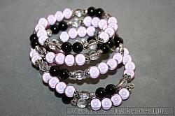 AR191 Pink miracle: Memory armband med ljusrosa mirakel pärlor (dom ser vita ut pga blixten)...125:- SÅLD