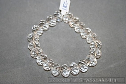 G3: Elastiskt armband med genomskinliga äkta swarovski pärlor...110:-
