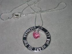 NA019 Thinking heart: Halsband med 50 cm lång kedja och texten