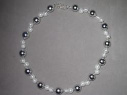 HA074 2 row silver: 2 radigt halsband med vita och silver pärlor...119:- SÅLD  För att se en större bild, klicka på denna länk.