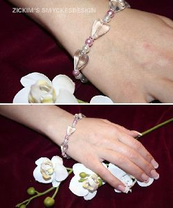 AR007 Hollowheart: Armband med glashjärtan...75:- SÅLD