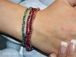 AR008 Multisparkle: Armband med elastiskt band i 4 färger...65:- SÅLD