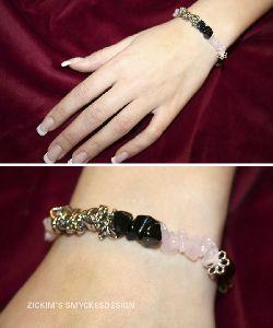 AR022 Elastic: Armband med elastiskt band med både onyx och rosenkvarts stenar...95:- SÅLD