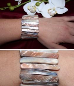 AR036 Arm shell: Elastiskt armband med snäckskals stavar...105:- SÅLD