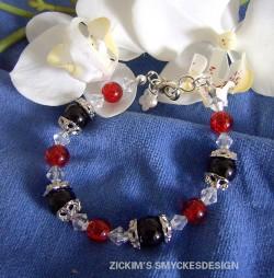 AR043 Candyred: Armband med svarta och röda glaspärlor...95:- 55:-