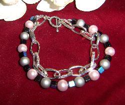 AR033 Big chain: Armband gråa och lila pärlor med grov kedja...60:- SÅLD