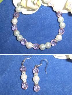 SE024 Pink princess: Armband med vita ocg rosa pärlor samt örhängen...75:- SÅLD