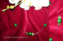 HA011 Flowing green: Halsband med
