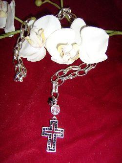 HA018 Chain cross: Längre halsband (80 cm) med grov kedja och ett kors...85:- SÅLD  För att se en större bild, klicka på denna länk.