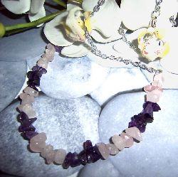 HA020 Amestist: Halsband med ametist och rosenkvarts chips på kedja...69:- SÅLD  För att se en större bild, klicka på denna länk.