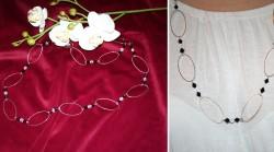 HA029 Black&White: Längre halsband med ovala ringaroch svarta och glas klara facett pärlor...109:-SÅLDFör att se en större bild, klicka på denna länk.