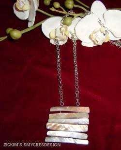 HA035 Shell stick: Halsband med snäckskals stavar på kedja...79:- SÅLD