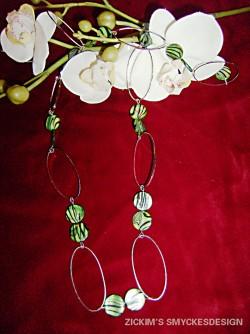 HA036 Green stripe: Halsband med ovala ringar och gröna pärlor...85:-SÅLD