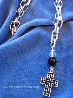 HA048 Big cross: Halsband med grov kedja och kors...89:- SÅLD  För att se en större bild, klicka på denna länk.  Lägg till bildtext textarea cant be used in forms style=