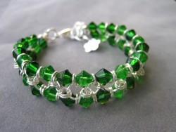 AR079 Green ring: Armband med gröna glaspärlor och ringar...149:- 100:-  För att se en större bild, klicka på denna länk.