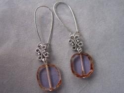OR036 Blue stone: Örhängen med blåa glaspärlor...75:- 40:-  För att se en större bild, klicka på denna länk.