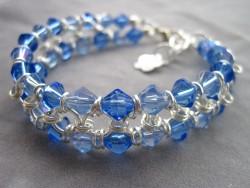 AR082 Blue ring: Armband med blå glaspärlor och ringar...149:- 100:-  För att se en större bild, klicka på denna länk.