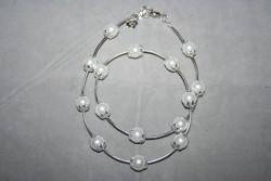 HA101 White stick: Halsband (50 cm långt) med vita pärlor och silverfärgade stavar...105:-SÅLD  För att se en större bild, klicka på denna länk.
