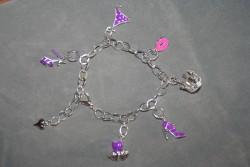 AR133 Purple clothes: Berlock armband...135:- SÅLD För att se en större bild, klicka på denna länk.