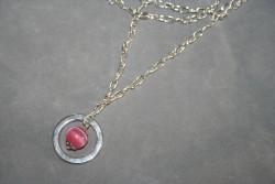 HA108 Pink cateye ring: Halsband (50 cm långt) med en rosa cateye pärla i en ring...95:- SÅLD För att se en större bild, klicka på denna länk.