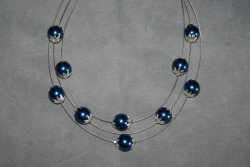 HA112 Flowing blue: Halsband (45-50 cm långt) med tre rader