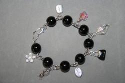 AR142 Black inspire: Berlockarmband med stora svarta pärlor...110:-För att se en större bild, klicka på denna länk.
