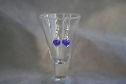 OR061 Little purple: Örhängen med lila krackelerade pärlor...45:- SÅLD För att se en större bild, klicka på denna länk.