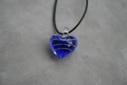 HG006 Glass heart: Halsband med läderband och hjärta i glas...85:- SÅLD För att se en större bild, klicka på denna länk.