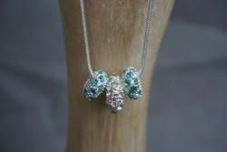 AS004 Blue crystal: Halsband (45 cm) med 3 strassberlocker...139:- SÅLD