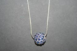 AS001Blue cystal ball: Halsband (50 cm) med en storblå strass pärla...139:-