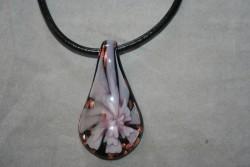 HG013 Glass pendant: Halsband med läderband och hänge i glas...99:- SÅLDFör att se en större bild, klicka på denna länk.