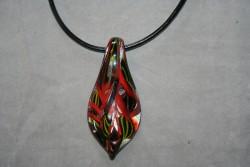 HG012 Glass pendant: Halsband med läderband och hänge i glas...99:- SÅLD För att se en större bild, klicka på denna länk.