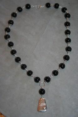 HA129 Big black love: Halsband med stora svarta pärlor...115:- 85:- För att se en större bild, klicka på denna länk.