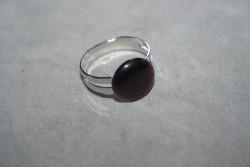 OV037 Ring 2: Ring (justerbar) medmörklila cateye pärla...45:- För att se en större bild, klicka på denna länk.