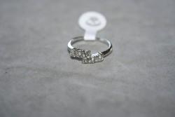 OV045 Ring 10: Ring med stenar i två färger...45:-