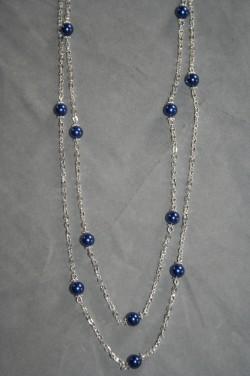 HA134 Double blue: Halsband (50 cm) med kedja och små blåa pärlor...95:- SÅLD För att se en större bild, klicka på denna länk.