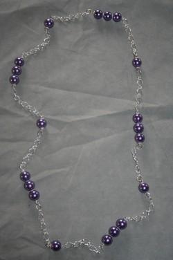 HA135 Long purple three: Långt halsband (90 cm) med kedja och lila pärlor...109:- 69:- För att se en större bild, klicka på denna länk.