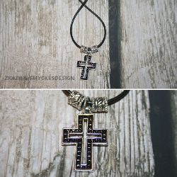 KI002 Black cross: Halsband med kors...80:- SÅLD