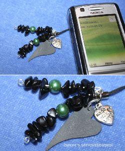 MO005 Mobileblack: Mobilsmycke med onyx stenar...50:- SÅLD